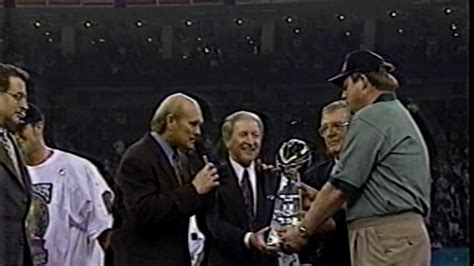 Superbowl Xxxi Post Game And Trophy Youtube