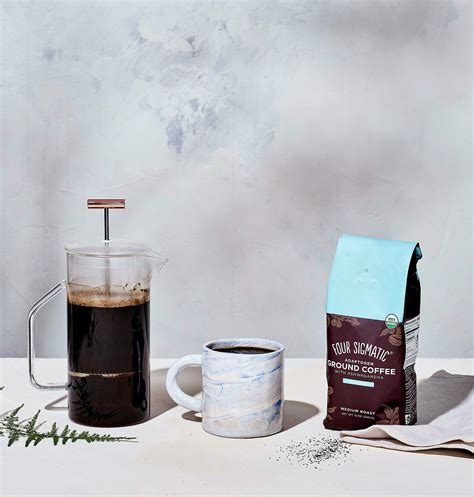 Made with organic arabica coffee, each serving offers half the amount of caffeine as a regular cuppa. Four Sigmatic Adaptogen Ground Coffee with Ashwagandha 340g - Dancing Leaf