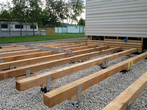 aufbau wpc terrasse aufbau holzterrasse unterkonstruktion abstand