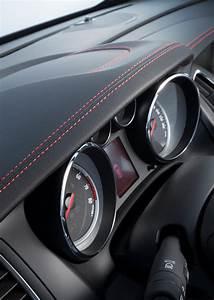 Opel Cascada Supreme : opel cascada becomes supreme with new special edition carscoops ~ Gottalentnigeria.com Avis de Voitures