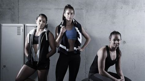 aussie sevens womens rugby team  models  calendar  raise money  cancer research