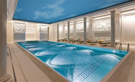 Tile Options For Luxury Swimming Pools