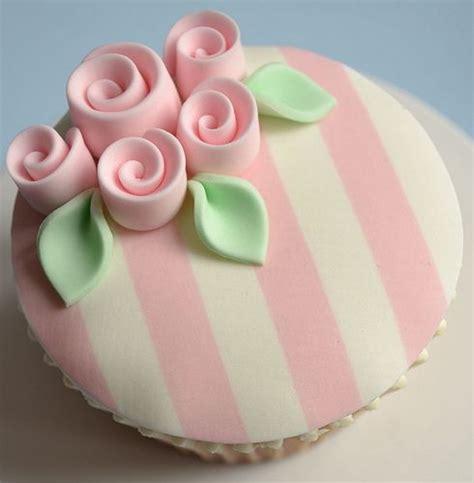 shabby chic cupcake shabby chic 18th birthday cupcakes cakes and baking pinterest