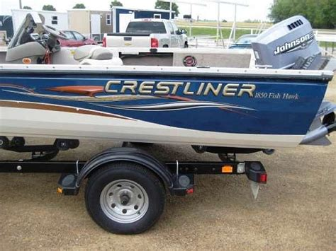Boat Dealers Watertown Sd by 2004 Crestliner Fish Hawk 1850 Sc Price 13 995 00