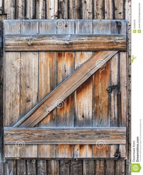 vieux volets en bois vieux volets en bois photo stock image du architectural 45409418