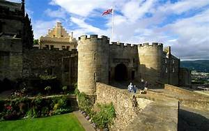 Tour Scotland and visit Stirling Castle, Loch Lomond and ...