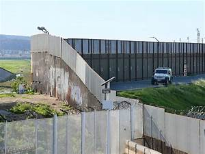 Trump's wall designs are due, but companies are worried ...