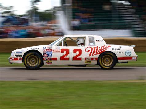 File:Bobby Allison's 1983 championship NASCAR car.jpg ...