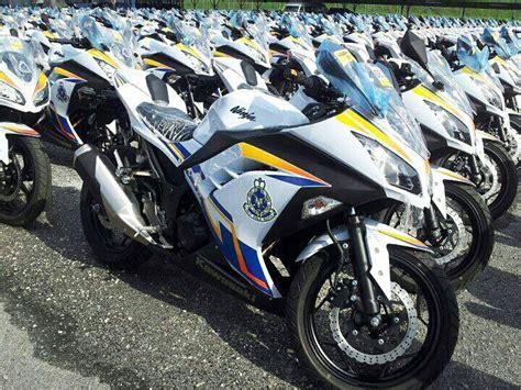 Malaysian Police Launches Fleet Of 2013 Kawasaki Ninja 250