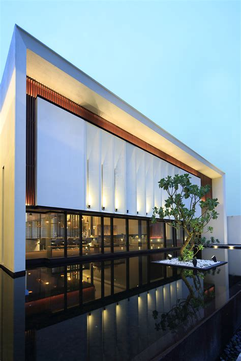 Gallery Of Exquisite Minimalist  Arcadian Architecture