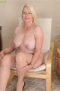 blonde milf angelique finger play her minge moms archive