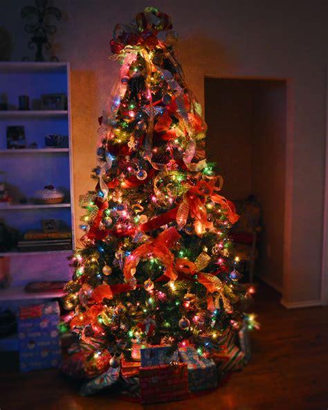 traditional christmas tree decor showmemama com