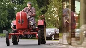 Dernière Pub Volkswagen : vid o porsche ressort son vieux tracteur dans sa derni re pub ~ Medecine-chirurgie-esthetiques.com Avis de Voitures