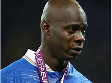 Andrea Pirlo reveals how Mario Balotelli reacts to racist