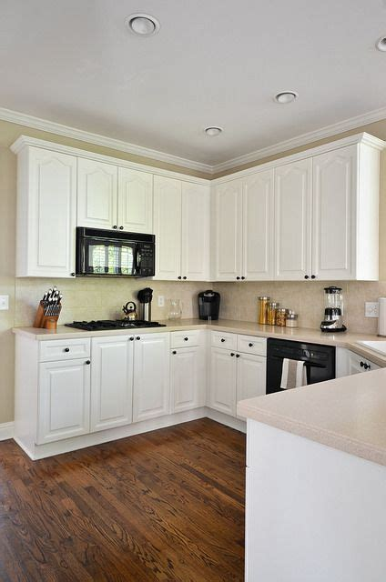 benjamin moore white dove kitchen cabinets painted kitchen cabinets before and after paint colors 343 | d653bf35130db93530af2b6fb5ed180e