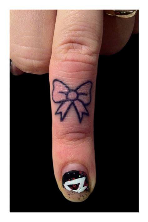 awesome finger tattoo designs  girls  women