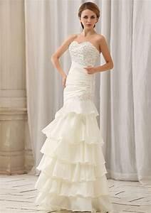 TIERED WEDDING GOWN- THE POPULAR BRIDE WEAR 2016