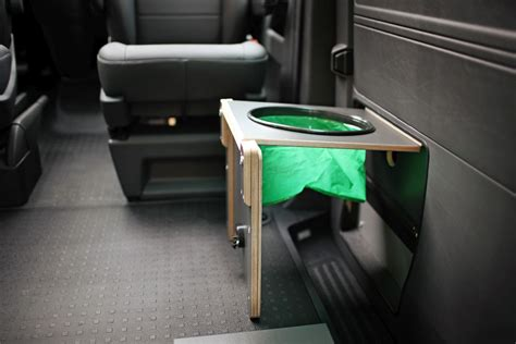 vw t6 cer mit toilette toilette der spacecer vw t6 cing ausbau reisemobil wohnmobil cingbus und