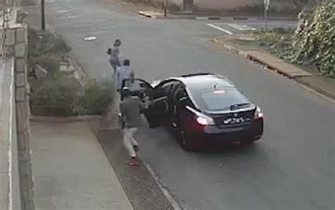 Johannesburg Student Refuses To Give Robbers Her Handbag