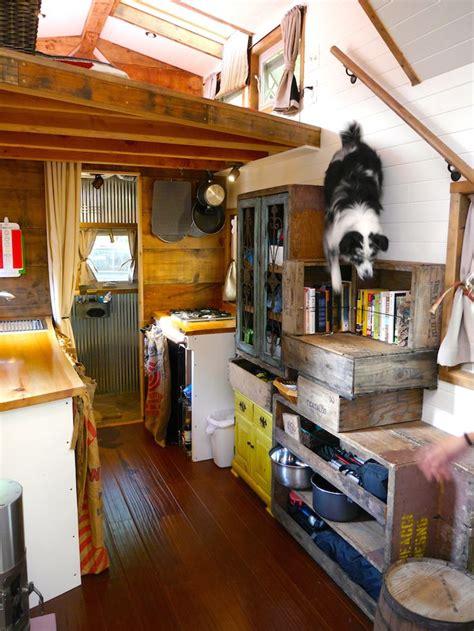 tiny house giant journey  deek click  photo