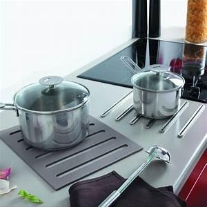 Protege Plan De Travail : repose casserole design dessous de plat 2 en 1 en silicone ~ Premium-room.com Idées de Décoration