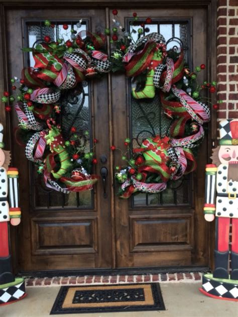 christmas front doors ideas  pinterest