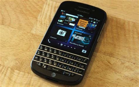 blackberry q10 blackberry q10 selling at rate of thousands per hour in