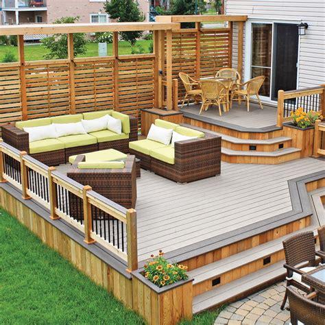 idee de patio en bois variations sur deux tons pour le patio patio inspirations jardinage et ext 233 rieur pratico