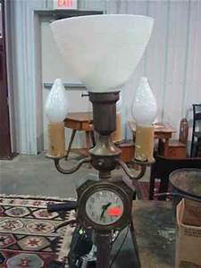 Floor lamp with lanshire clock in 937467 for Antique floor lamp with clock