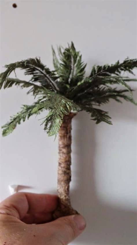scale models and dioramas making palm tree leaves with