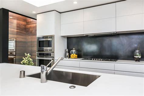 white kitchen flooring kitchen design ideas 9 backsplash ideas for a white 1041