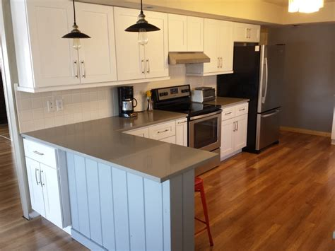 white shaker cabinets with quartz countertops white shaker cabinets and concerto quartz countertops