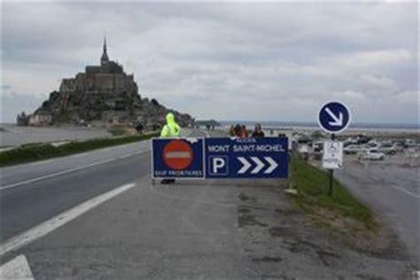 samedi 28 avril 2012 les automobilistes non grata au pied du mont michel 50