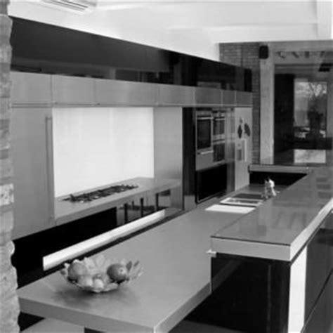 cuisine et grise aménagement cuisine geoffrey hody architecte liège