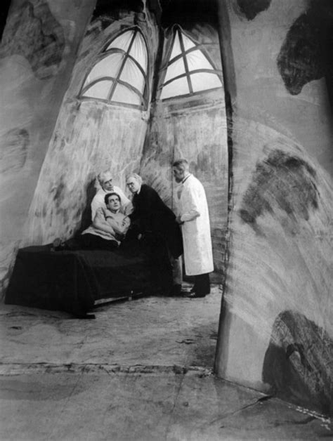 the cabinet of dr caligari expressionism analysis the 1919 german horror classic quot the cabinet of dr