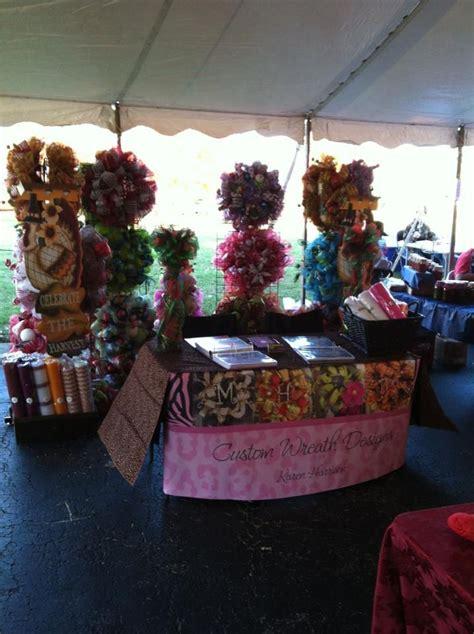 Craft Show Wreath Display Ideas