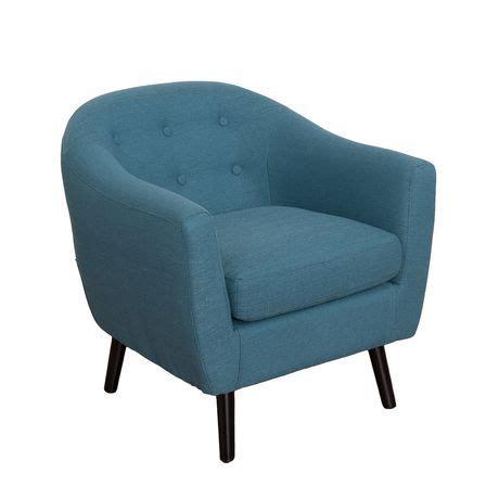 siege tonneau fauteuil demi tonneau oliver corliving en en bleu