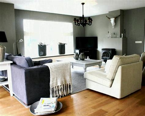 Colors Go With Gray Walls In Living Room
