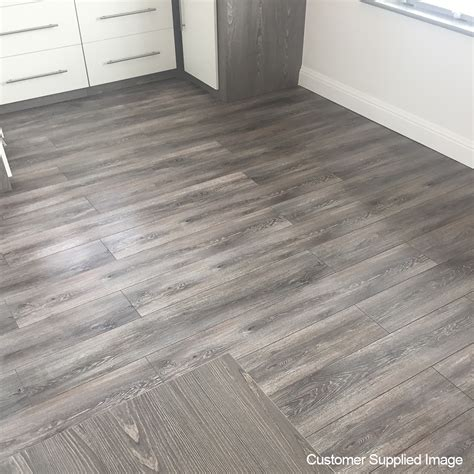 xpert pro laminate flooring top 28 xpert pro laminate flooring balterio xpert pro 12mm virginia oak 019 v groove ac5 1