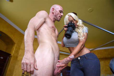 Fervent Stepmother Teasing And Stuffed Her Hubby Buxom Attractive Nicolette Shea Gives Ass Filled With