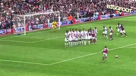 Payet Stunning Goal vs Crystal Palace #FreeKick - YouTube