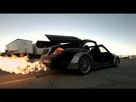 Jay Z And Kanye West Mutilate Maybach, Mercedes