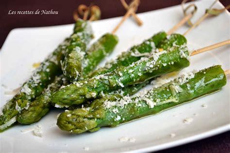 cuisiner asperges vertes asperges vertes grillées huile d 39 olive au citron et