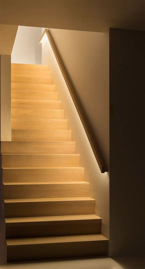 Led Beleuchtung Treppenstufen by Best 25 Led Stair Lights Ideas On Stair