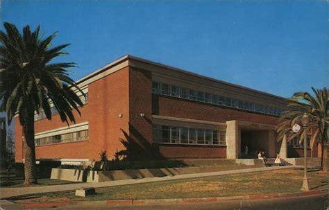 School of Home Economics and School of Nursing ...