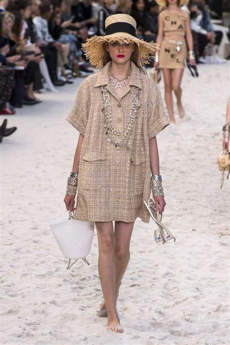Chanel Springsummer 2019 Ready To Wear Napoleonia