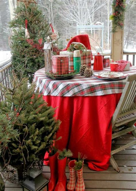 christmas balcony decorating ideas christmas decoration on the balcony in winter shape 16 beautiful ideas