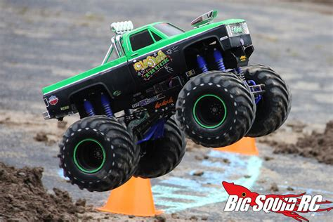 monster truck mud videos everybody s scalin for the weekend trigger king r c mud