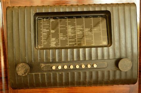 India through my eyes - An ancient radio set