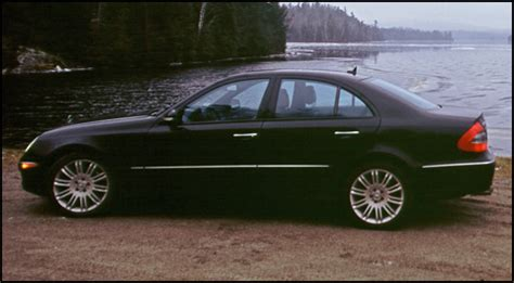 However, this only happens in the sport driving mode, not in the comfort driving mode. 2007 Mercedes-Benz E550 4MATIC First Impressions